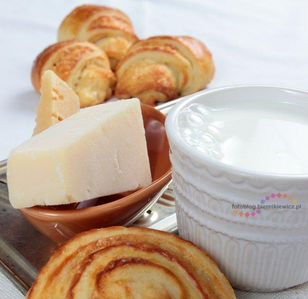 bułki z serem na słono